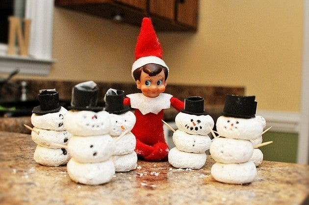 More-Elf-on-the-Shelf-Ideas-11