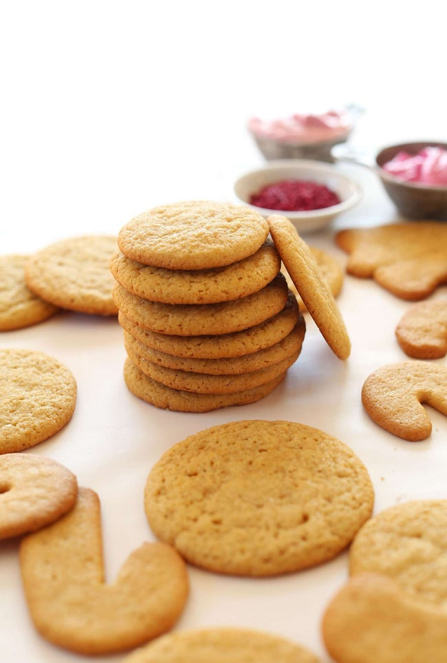PERFECT-1-Bowl-Vegan-Sugar-Cookies-Cut-out-or-scoop-into-circles-Easy-delicious-PERFECT-vegan-dessert-cookies