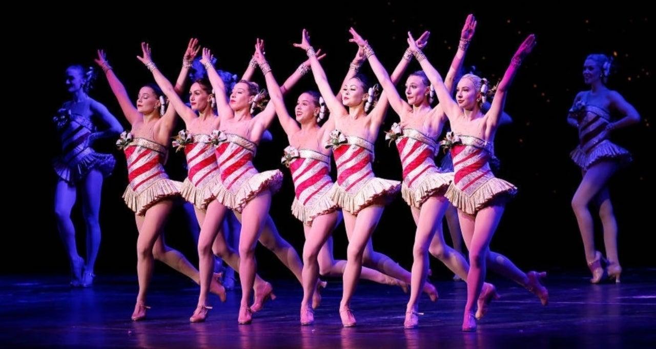 Rockettes Christmas Spectacular.Radio City Rockettes Christmas Spectacular 2019 First Look