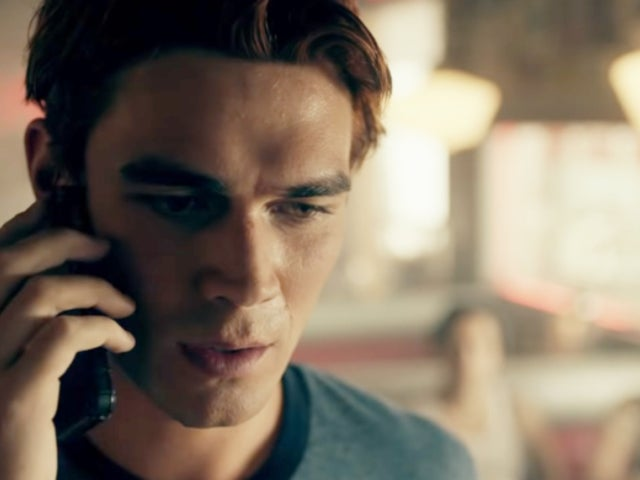 'Riverdale' NYCC Trailer Reveals Moment Archie Learns Father Luke Perry Is Dead