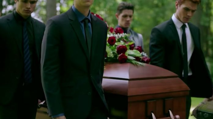 riverdale-fred-andrews-funeral-CW