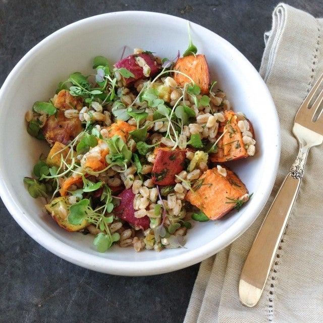 roasted-sweet-potato-and-farro-salad3-640x640
