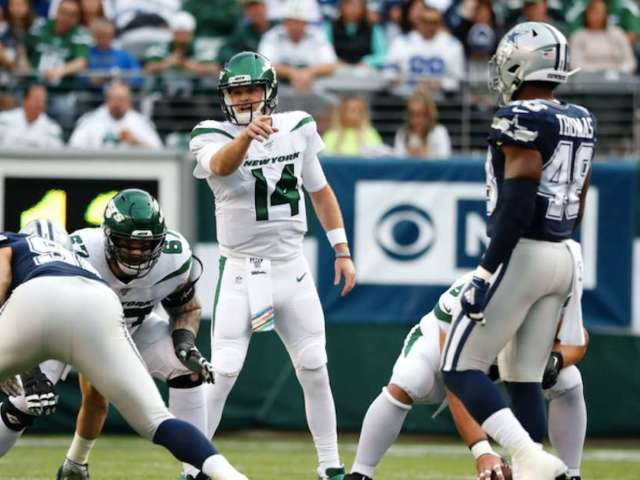 Dallas Cowboys Fans Freak After Embarrassing Performance Against Winless New York Jets