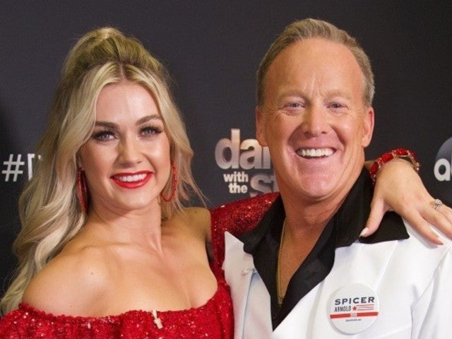 'Dancing With the Stars': Donald Trump Campaigns for 'Good Guy' Sean Spicer Votes