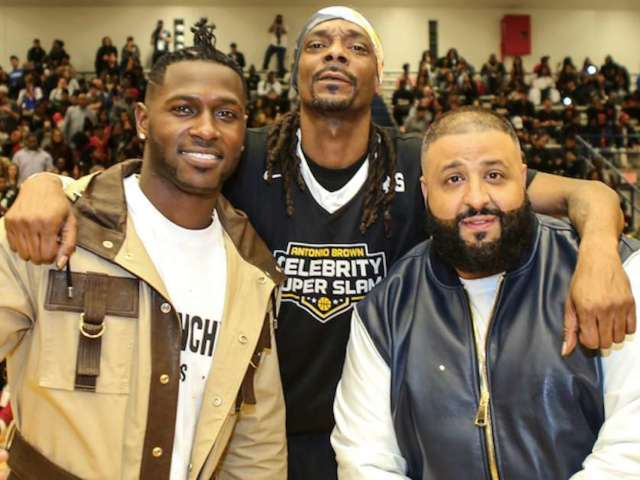 Antonio Brown Deserves a Second Chance, Snoop Dogg Says