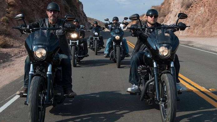 sons-of-anarchy-chibs-jax-teller-charlie-hunnam-tommy-flanagan