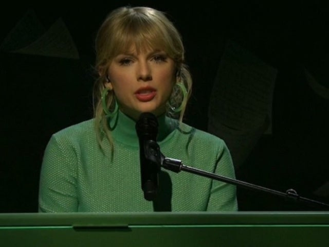 'SNL': Taylor Swift Performs and Social Media Goes Wild