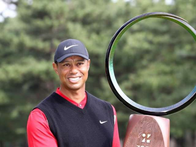 Tiger Woods Wins 82nd PGA Tour Title, Ties All-Time Record