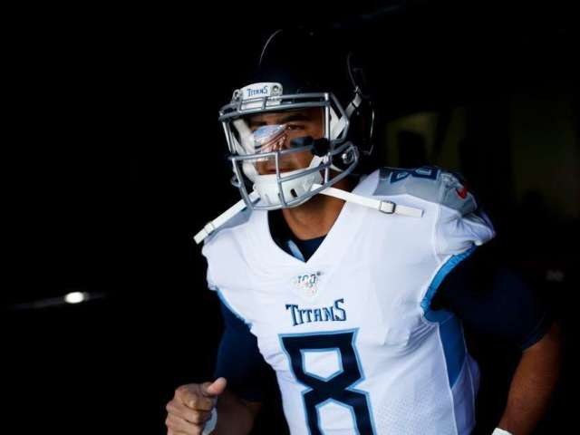 Titans Reportedly Bench Marcus Mariota, Ryan Tannehill to Start Against Chargers