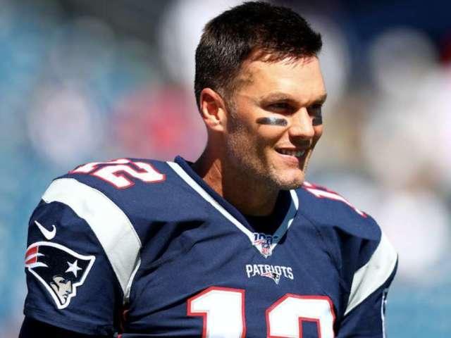 Tom Brady Passes Brett Favre on All-Time Passing Yards List