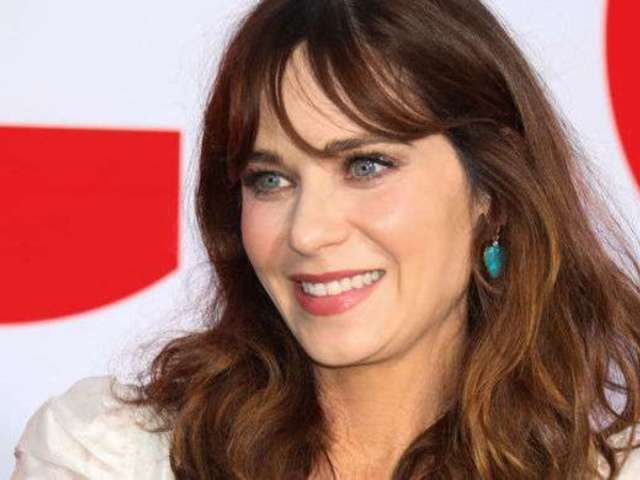 Zooey Deschanel Is Unrecognizable as She Ditches Signature Bangs