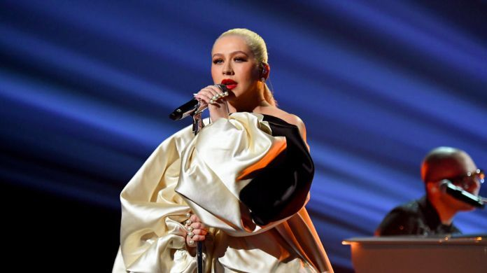 2019-american-music-awards-christina-aguilera