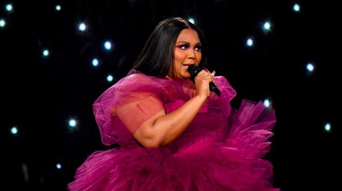2019-american-music-awards-lizzo