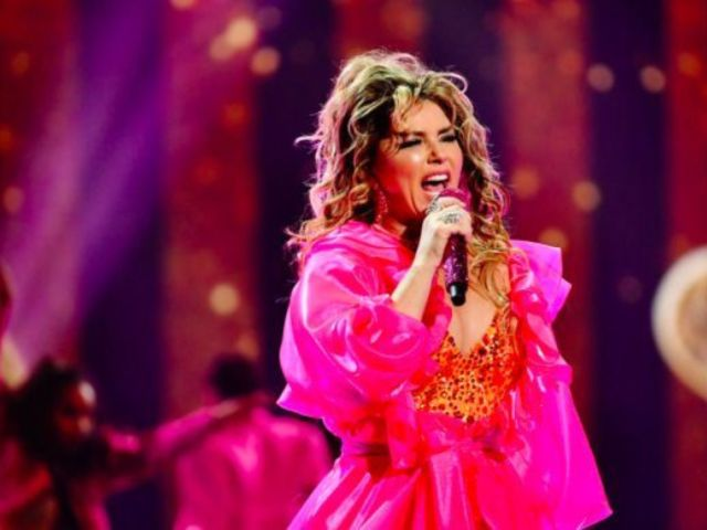 AMAs 2019: Shania Twain Posts Stunning Action Photo That's Sure to Make Post Malone Happy