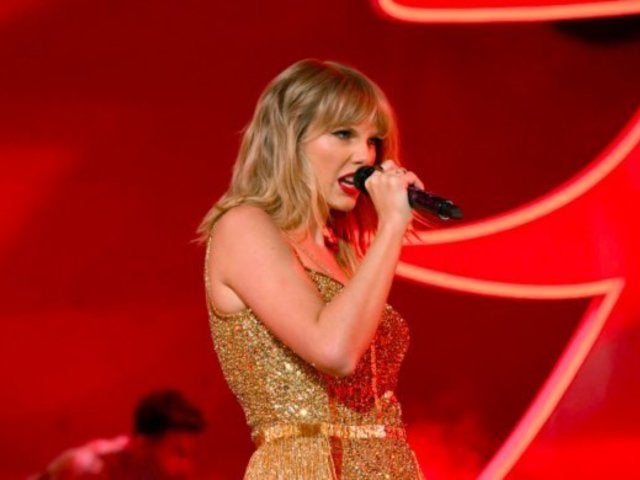 AMAs 2019: Taylor Swift's Final Awards Show Photo on Instagram Is Pure Fire