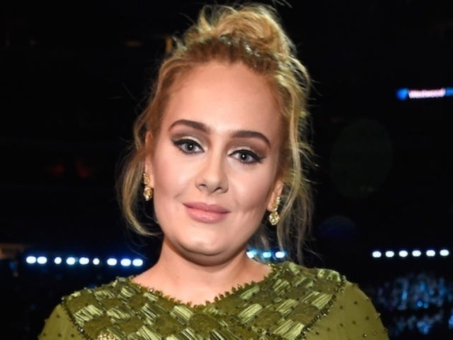 Adele Photos Surface of Songstress Shouting While on the Phone
