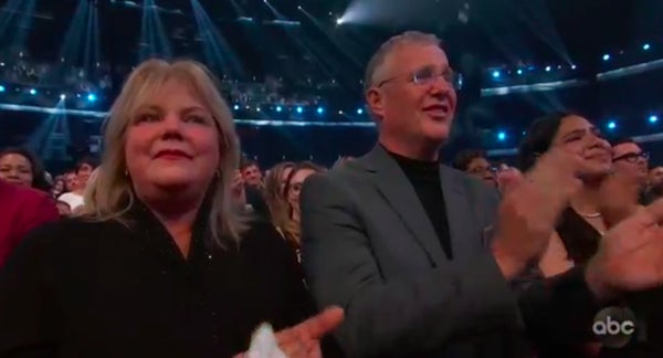 Amas 2019 See Taylor Swift S Parents As She Wins Artist Of The Decade