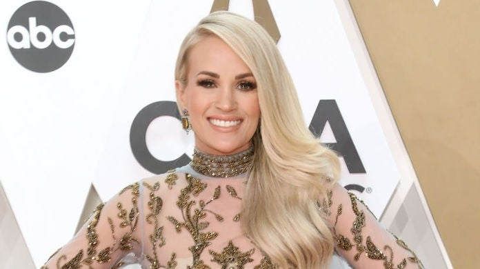carrie-underwood-cmas-getty-Taylor Hill : Contributor