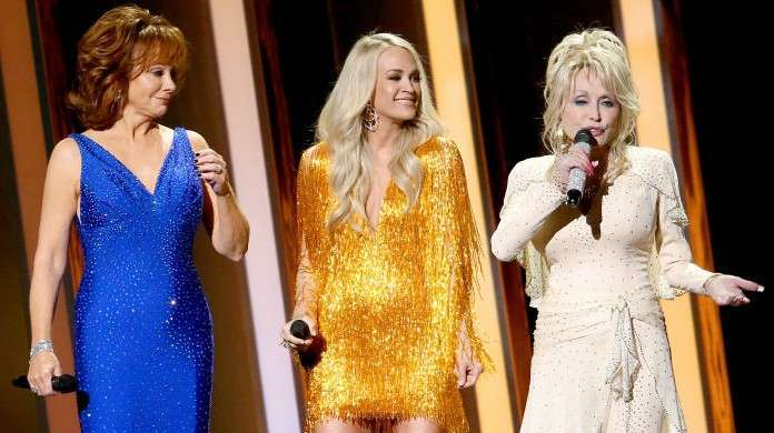 carrie underwood dolly parton