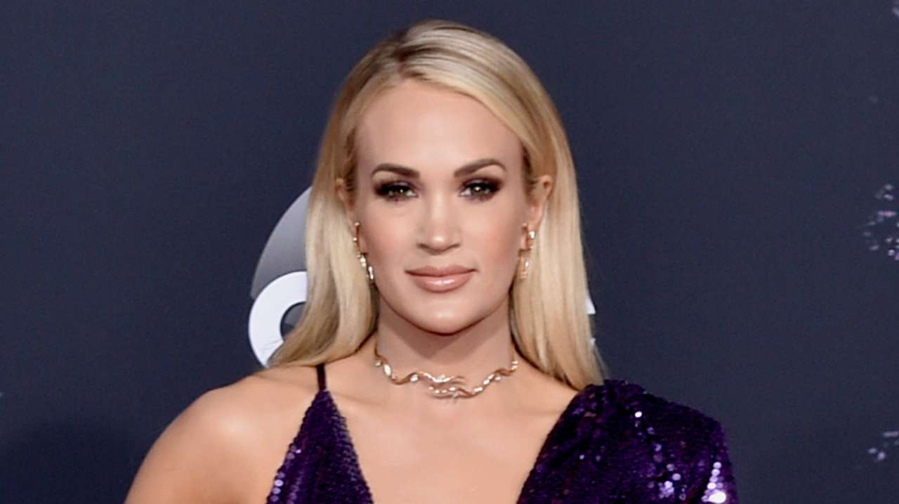 carrie-underwood-getty-images-amas-2019