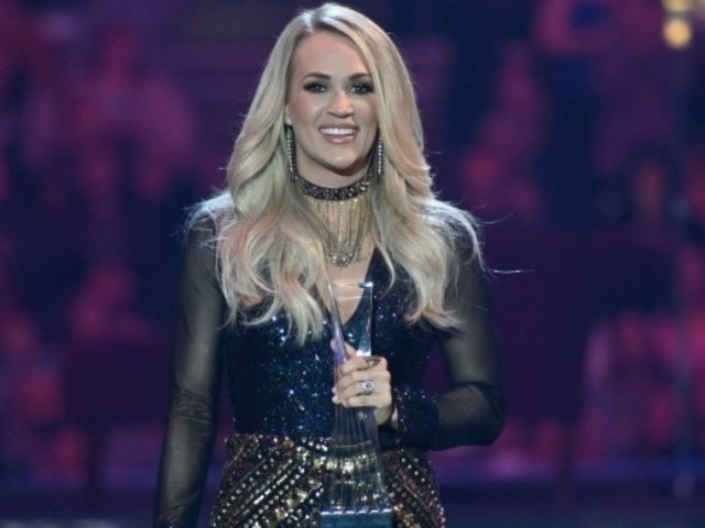 Watch: Carrie Underwood Rocks out at Guns 'N Roses Concert