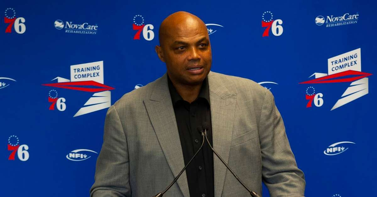 Charles Barkley Apologizes to Female Reporter About Hitting Women