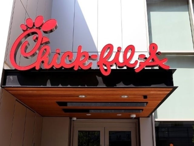 Chick-Fil-A Forced to Apologize to Customers Over 'National Sandwich Day'