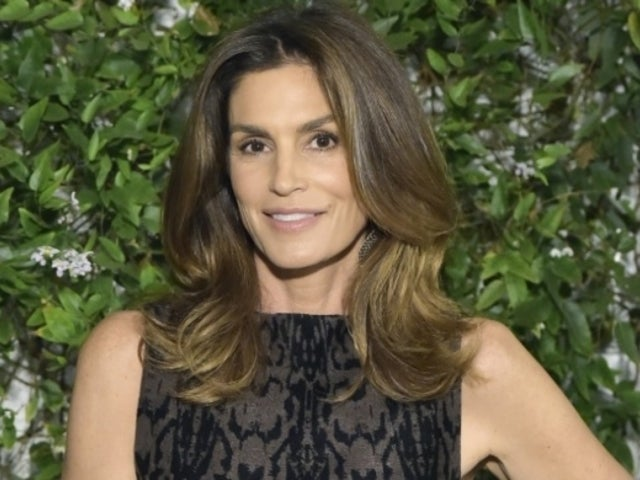 Cindy Crawford Shares Rare Photo With Sisters, and Fans Are Loving It