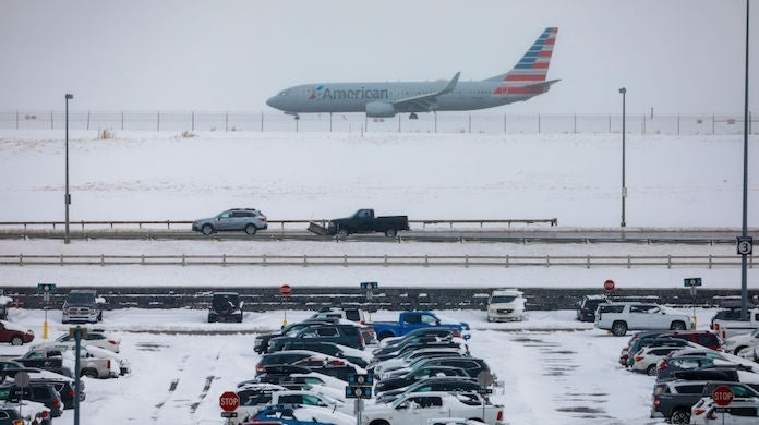 denver-airport-winter-storm_getty-Joe Mahoney : Stringer