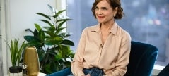 'Downton Abbey' Star Elizabeth McGovern's New 'War of The Worlds' Series Is 'Horrifyingly Chilling' (Exclusive)