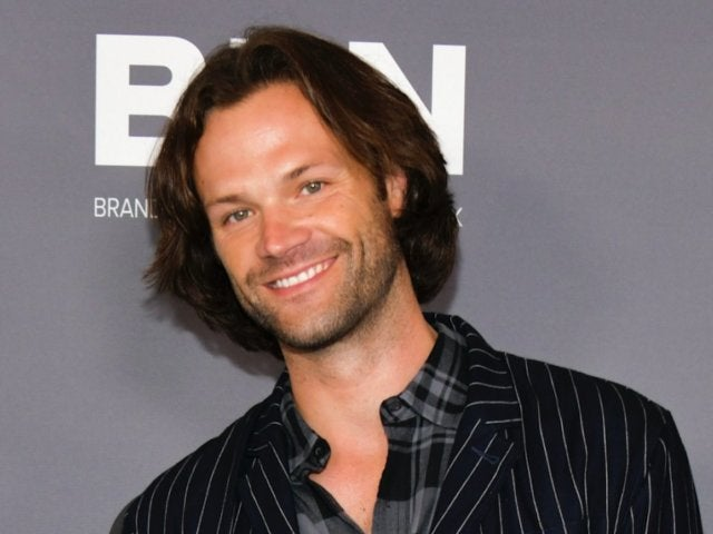 Jared Padalecki Pokes Fun at His Own Arrest, Wears 'Supernatural' Mugshot During Fan Event