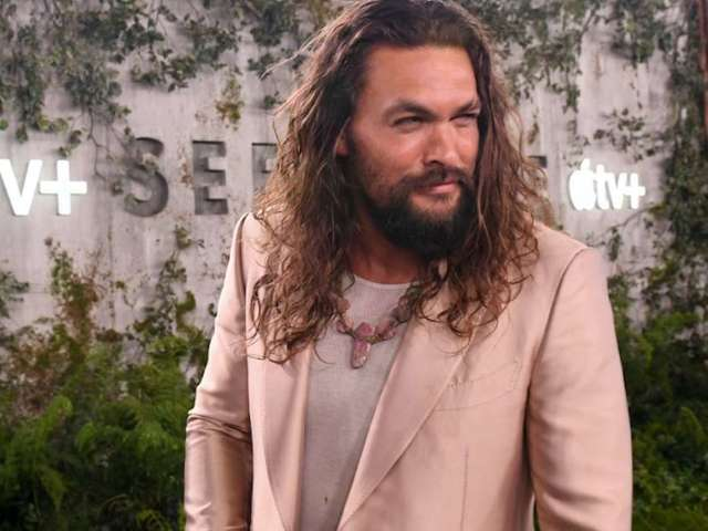 Jason Momoa Shares Photo With Steelers QB Ben Roethlisberger, Expresses Love for Pittsburgh