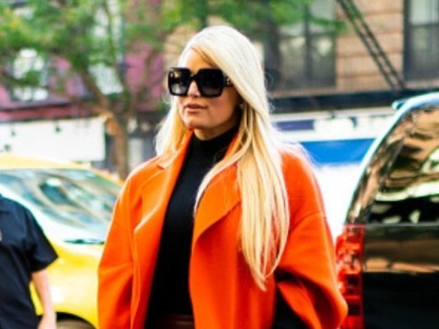 Jessica Simpson Celebrates Thanksgiving With Family in New Photo 'Before the Pajama Change'