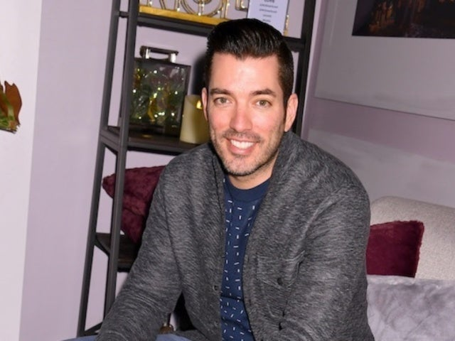 'Property Brothers' Star Jonathan Scott Tells Girlfriend Zooey Deschanel 'I Love You' Amid First Thanksgiving Together
