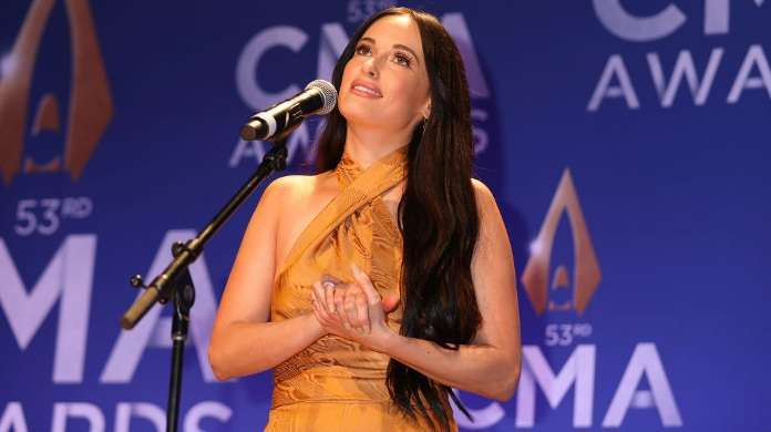 kacey musgraves cmas getty images