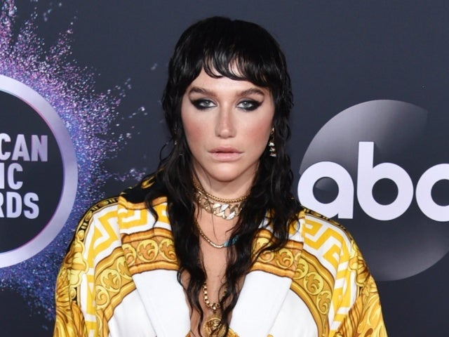AMAs 2019: Kesha's 'Iconic' Outfit and Hairdo Has Twitter Talking