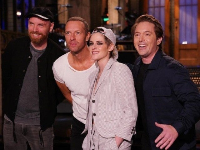 'SNL': Kristen Stewart, Coldplay and Beck Bennett Cut It up in New Promo About Daylight Saving Time