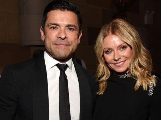 Kelly Ripa Posts Thanksgiving Throwback With Husband Mark Consuelos and Family