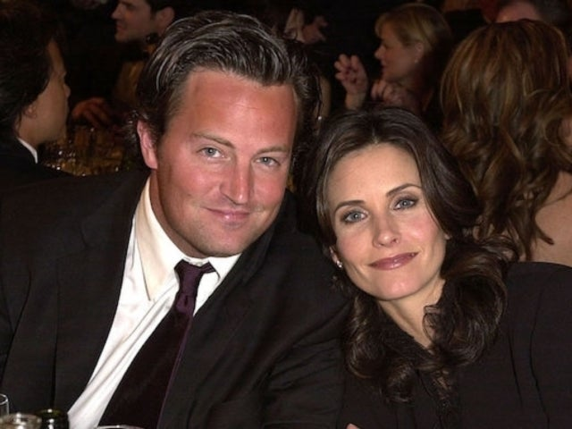 Courteney Cox Shares 'Friends' Reunion Selfie With On-Screen Husband Matthew Perry
