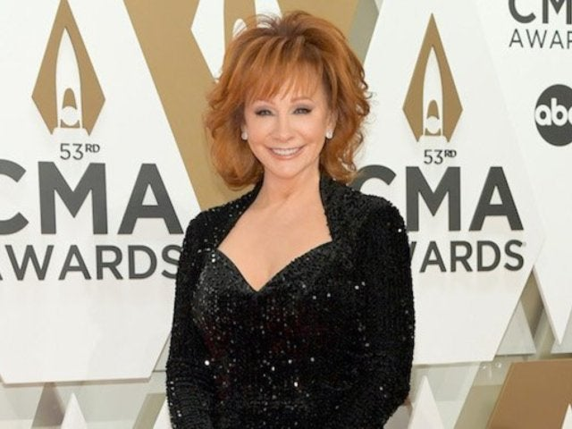 Reba McEntire Gives out Her Phone Number on Social Media, Asks Fans to Text Her