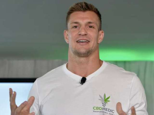 Rob Gronkowski Talks Trash About Cowboys Owner Jerry Jones on 'FOX Sports'