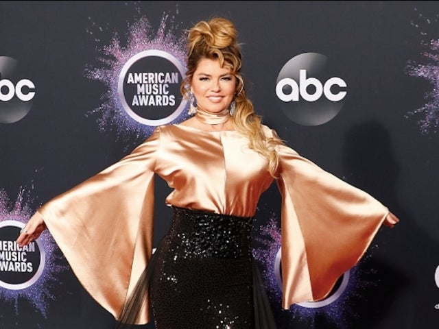 AMAs 2019: Watch Shania Twain Perform a Medley of Covers and Hits to Close out Show