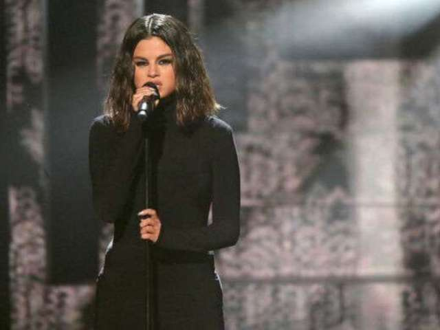 AMAs 2019: Selena Gomez Fans Notice One Major Thing During Her First Live Performance in 2 Years