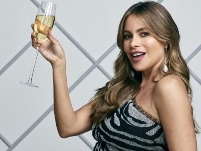 'Modern Family' Fans Can't Get Over Sofia Vergara's Golden Thanksgiving Party