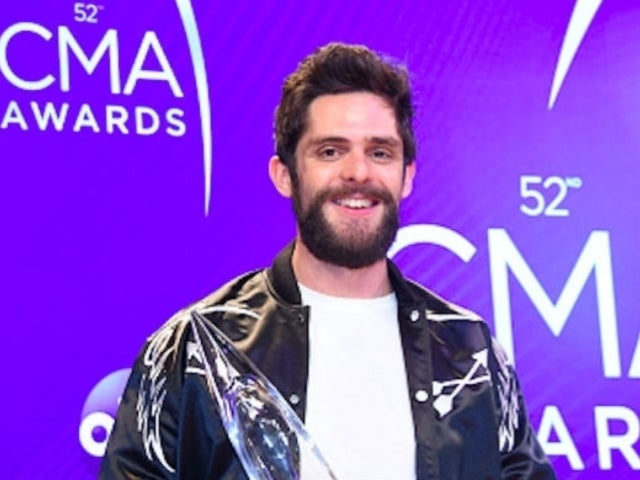Thomas Rhett Shows off Adorable New Photo of Willa Gray Holding Lennon Love