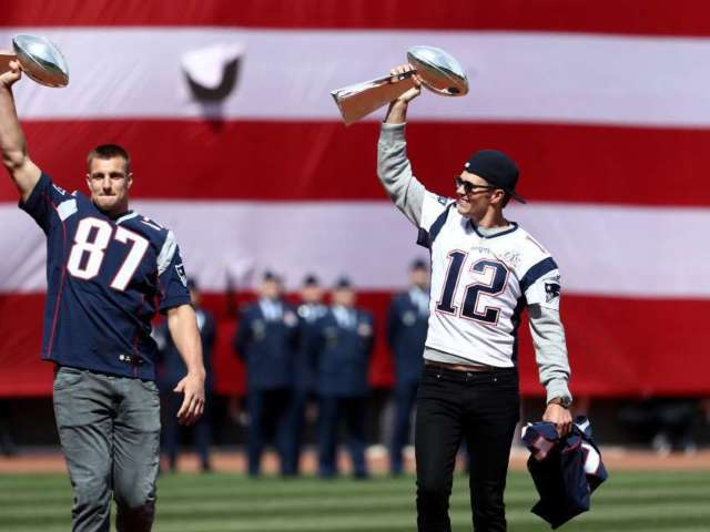 Tom Brady Responds to Reports of Patriots Open to Bringing Back Rob Gronkowski