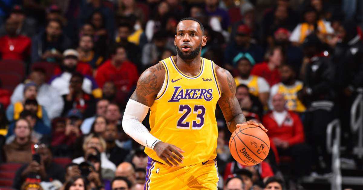 Watch LeBron James Clap Back at Heckler at Los Angeles Lakers Game