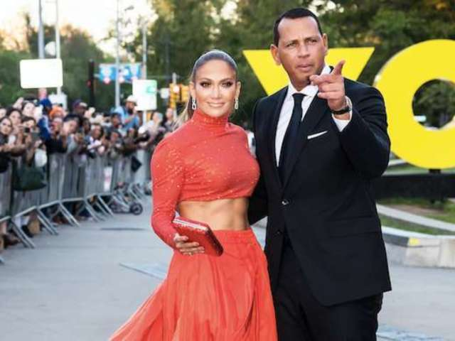 'SNL': Alex Rodriguez Cheers on Jennifer Lopez at Rehearsal
