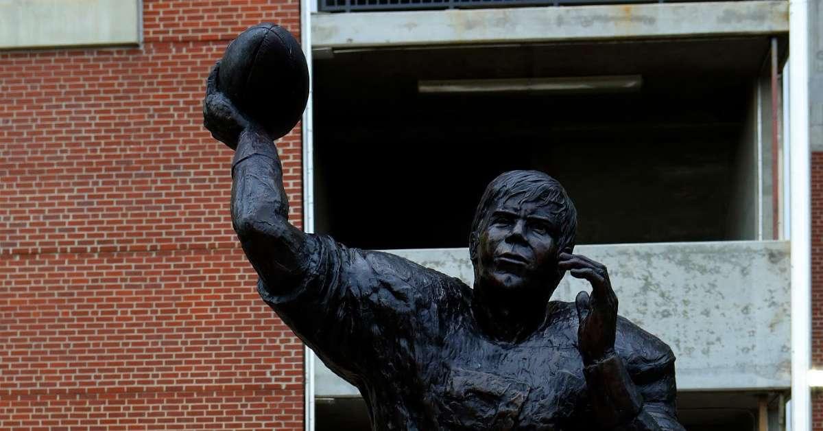 Auburn Football Legend, Heisman Winner Pat Sullivan Dead at 69