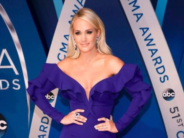 Carrie Underwood Fans Devastated She's Retiring From Hosting CMA Awards